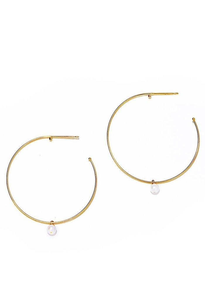 【ルボンボン/les bonbon】のhoop pearl ピアス インテリア・キッズ・メンズ・レディースファッション・服の通販 founy(ファニー) https://founy.com/ ファッション Fashion レディースファッション WOMEN ジュエリー Jewelry リング Rings イヤリング Earrings イヤリング パーティ パール フープ 再入荷 Restock/Back in Stock/Re Arrival |ID: prp329100000048330 ipo3291000000009695940