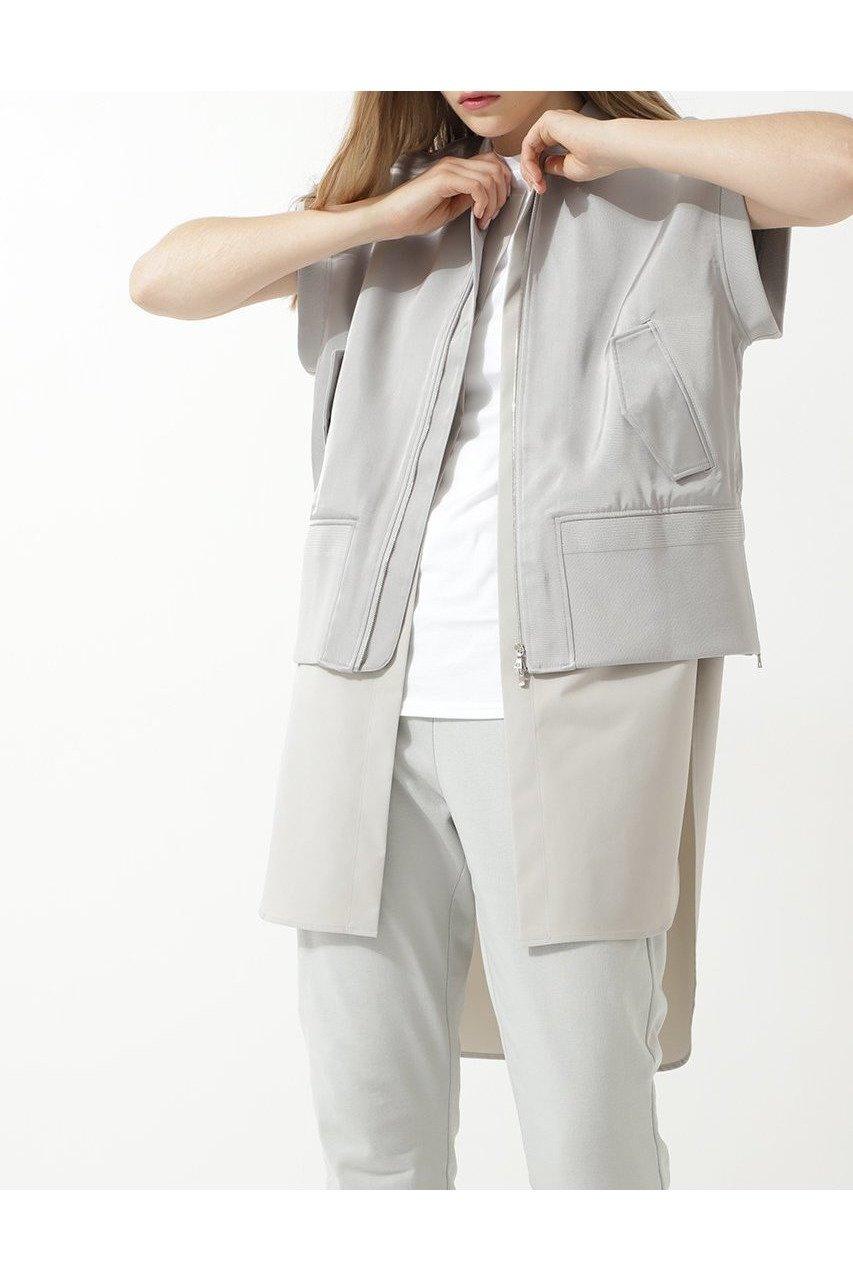 【ル フィル/LE PHIL】のノースリーブボンバージャケット インテリア・キッズ・メンズ・レディースファッション・服の通販 founy(ファニー)  ファッション Fashion レディースファッション WOMEN アウター Coat Outerwear ジャケット Jackets 2020年 2020 2020-2021秋冬・A/W AW・Autumn/Winter・FW・Fall-Winter/2020-2021 2021年 2021 2021-2022秋冬・A/W AW・Autumn/Winter・FW・Fall-Winter・2021-2022 A/W・秋冬 AW・Autumn/Winter・FW・Fall-Winter インナー サテン シルク シンプル ジャケット ノースリーブ ブライト グレー ID: prp329100001859421 ipo3291000000010609737